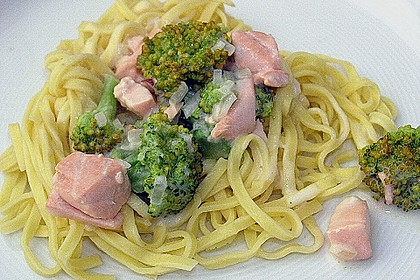 Lachs - Brokkoli - Sahne - Sauce 7