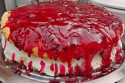 Windbeutel-Torte 135