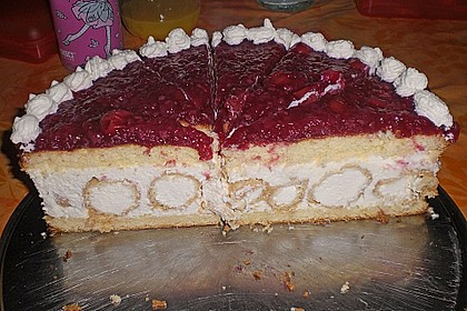 Windbeutel-Torte 54