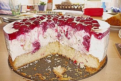 Windbeutel-Torte 115
