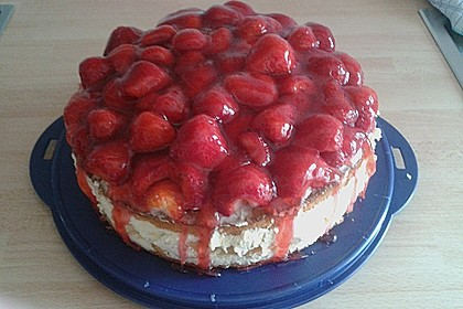 Windbeutel-Torte 113