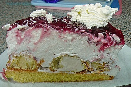Windbeutel-Torte 93