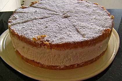 Windbeutel-Torte 108