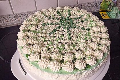 Windbeutel-Torte 10