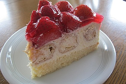Windbeutel-Torte 13