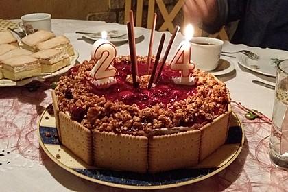 Windbeutel-Torte 35