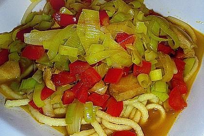 Asia - Hähnchenbrust in pikanter Gemüse - Sauce 3