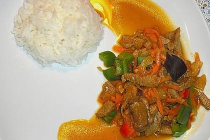 Asia - Hähnchenbrust in pikanter Gemüse - Sauce