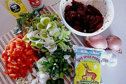 Asia - Hähnchenbrust in pikanter Gemüse - Sauce 5