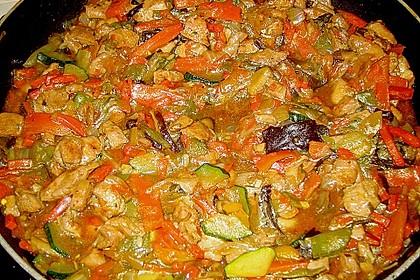 Asia - Hähnchenbrust in pikanter Gemüse - Sauce 1