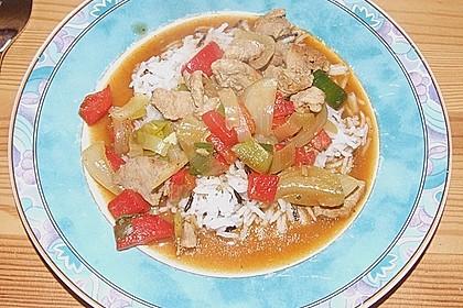 Asia - Hähnchenbrust in pikanter Gemüse - Sauce 7