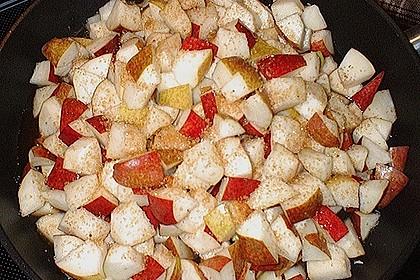 Blutwurst mit Stampfkartoffeln und Birnenkompott 4