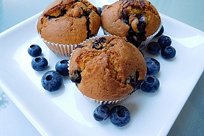 Mile high Blueberry Muffins 1