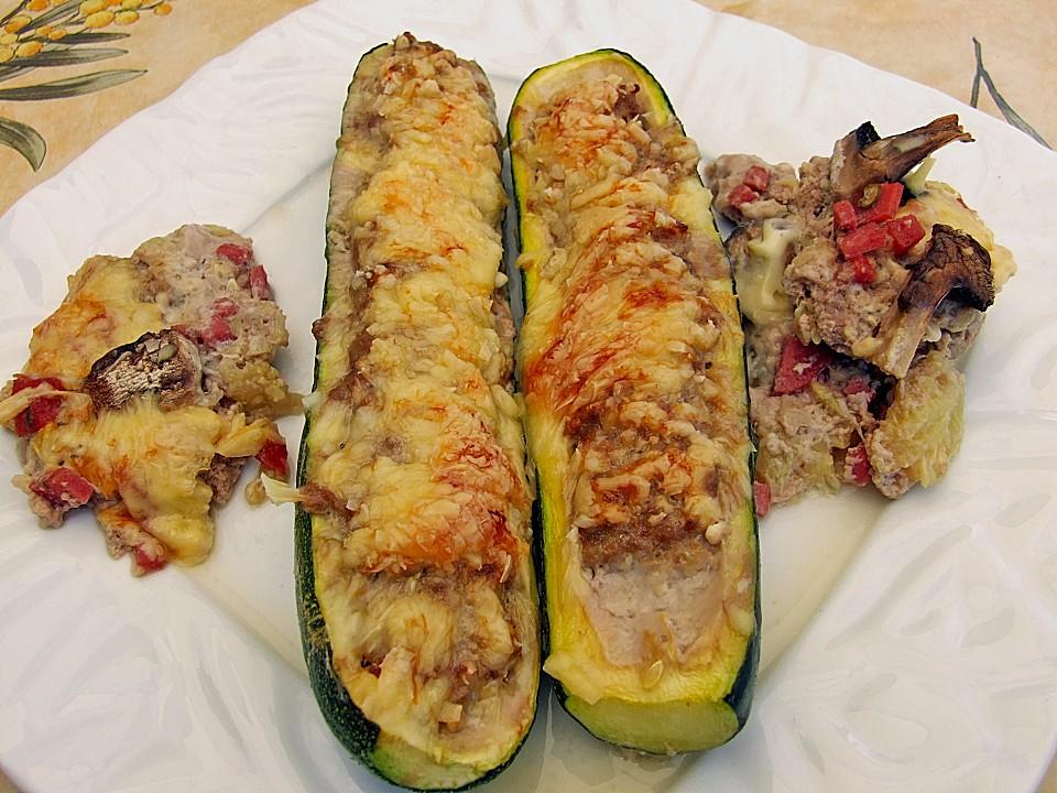 zucchini gef llt mit hackfleisch und k se berbacken rezept mit bild. Black Bedroom Furniture Sets. Home Design Ideas