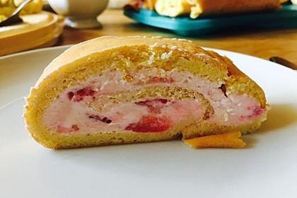 Biskuitrolle mit Erdbeer - Quark - Fülle 12