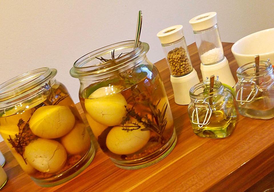eingelegte oliven mit kr utern rezepte suchen. Black Bedroom Furniture Sets. Home Design Ideas