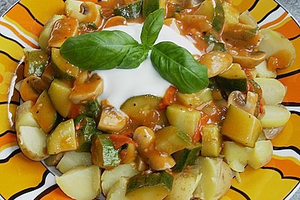 Kartoffeln mit Gemüsesauce á la Jutta