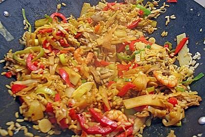 Asiapfanne mit Reis und Garnelen 8