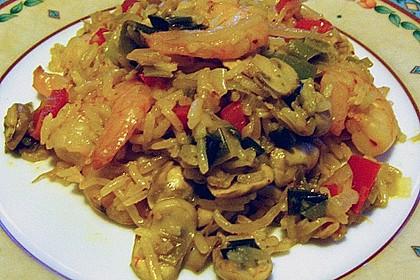 Asiapfanne mit Reis und Garnelen 10