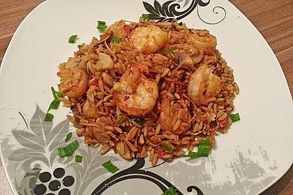 Asiapfanne mit Reis und Garnelen 3