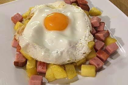 Leberkäse-Kartoffel-Pfanne mit Spiegelei 8