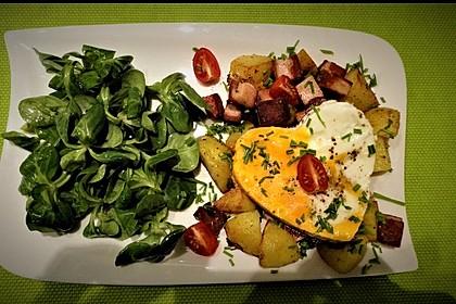 Leberkäse-Kartoffel-Pfanne mit Spiegelei 5