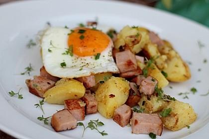 Leberkäse-Kartoffel-Pfanne mit Spiegelei 2