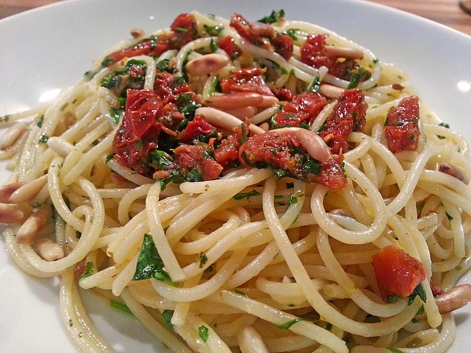 spaghetti mit getrockneten tomaten von steffypeter. Black Bedroom Furniture Sets. Home Design Ideas