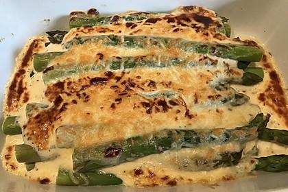 Albertos grüner Spargel mit Parmesancreme 33