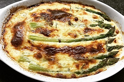 Albertos grüner Spargel mit Parmesancreme 35