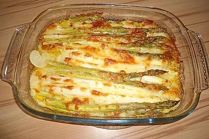 Albertos grüner Spargel mit Parmesancreme 25