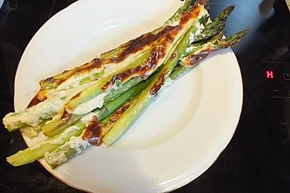 Albertos grüner Spargel mit Parmesancreme 7