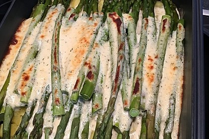 Albertos grüner Spargel mit Parmesancreme 27
