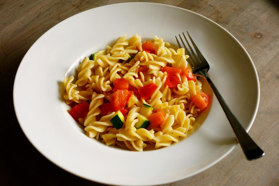 gem se spaghetti ein gutes rezept. Black Bedroom Furniture Sets. Home Design Ideas
