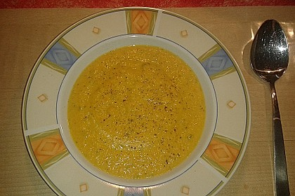 Feine Karottensuppe 1
