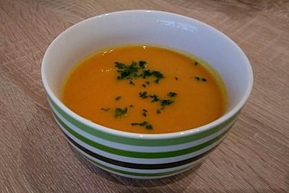Kürbis - Möhren - Suppe 1