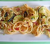Spaghettipfanne mit gebratenen Zucchini (Bild)