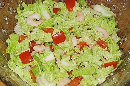 Chinakohlsalat mit Krabben und Tomaten