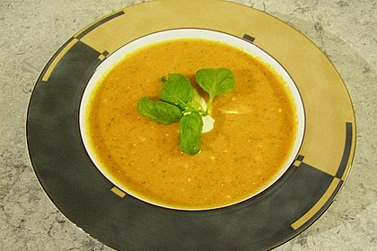 Cremige Tomatensuppe mit Kokosmilch 45