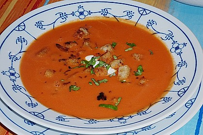 Cremige Tomatensuppe mit Kokosmilch 3