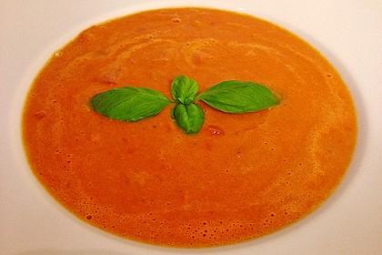 Cremige Tomatensuppe mit Kokosmilch 39