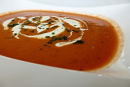 Cremige Tomatensuppe mit Kokosmilch 9