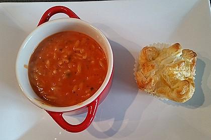 Cremige Tomatensuppe mit Kokosmilch 4