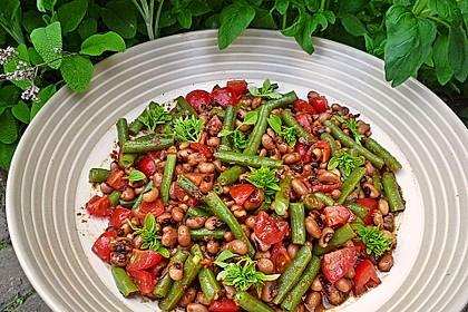 Bohnensalat mit Tomaten und rotem Pesto 0