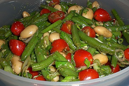 Bohnensalat mit Tomaten und rotem Pesto 1