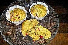 Zwiebelmuffins mit rohem Schinken