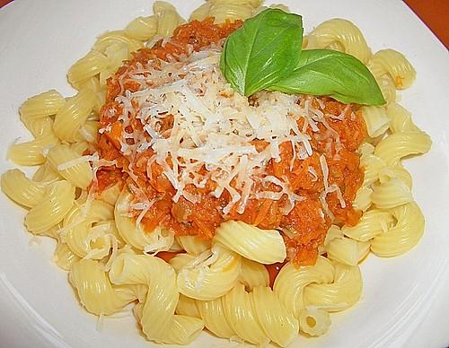 spaghetti mit zucchini bolognese rezept mit bild. Black Bedroom Furniture Sets. Home Design Ideas