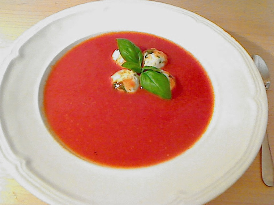 tomatensuppe mit mozzarella kl chen rezept mit bild. Black Bedroom Furniture Sets. Home Design Ideas