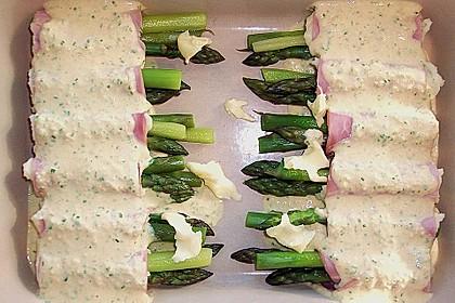 Grüner Spargel im Schinken - Kartoffelmantel 10