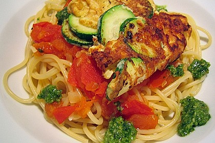 Zucchini – Piccata auf Tomatenkompott mit Rucolapesto und Nudeln 9
